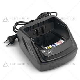 Caricatore Standard AL 101 Stihl compatibile con le batterie AP e AK, con indicatore dello stato di funzionamento al LED.