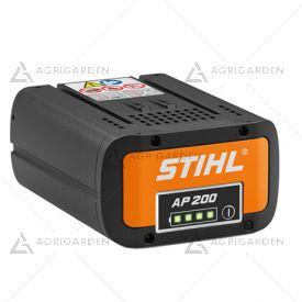Batteria Stihl AP 200 agli ioni di litio da 187 Wh con indicatore dello stato di carica al LED.