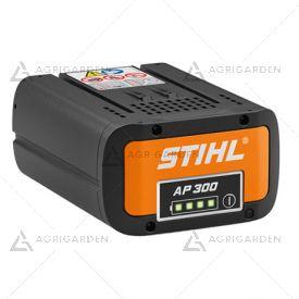 Batteria Stihl AP 300 agli ioni di litio da 227 Wh con indicatore dello stato di carica al LED.