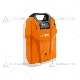 Batteria a zaino Stihl AR 2000 L agli ioni di litio, estremamente potente con energia batteria da 1.015 Wh.