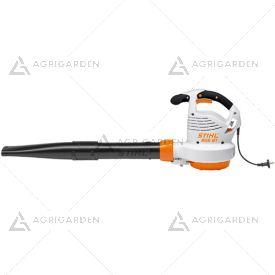 Soffiatore elettrico Stihl BGE 81 potente con bocchetta piatta per uso privato intensivo.