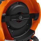 Rasaerba a scoppio trazionato con variatore Stihl RM 655 V con larghezza di taglio da 53 cm.